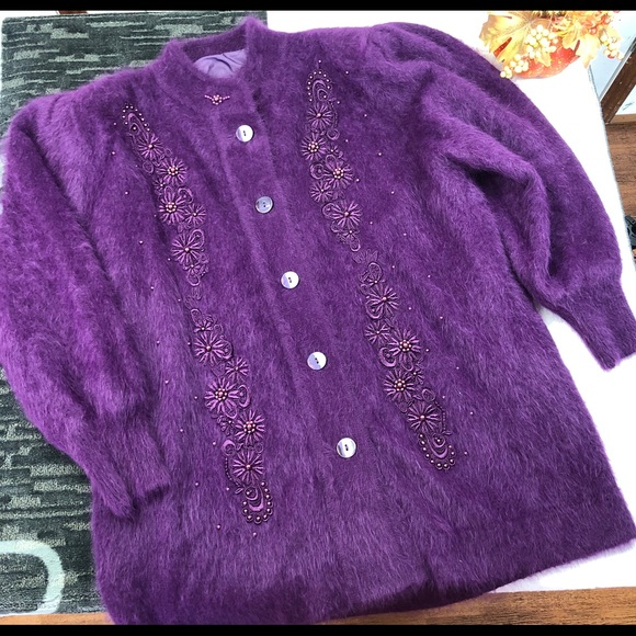 Vintage Lee Sands Rabbit Angora PURPLE Sweater